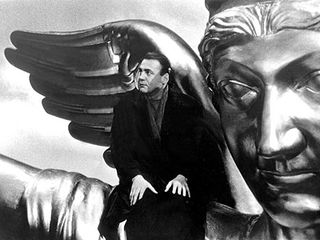 Bruno_Ganz_in_WINGS_OF_DESIRE